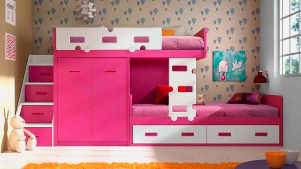 При покупке кровати важно обращать внимание на ее каркас, основание для спального места, лестницу и бортик
