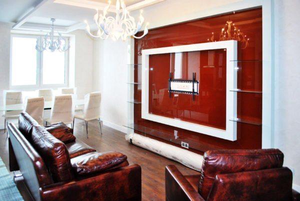 При помощи стекла можно выделить отдельные участки стен