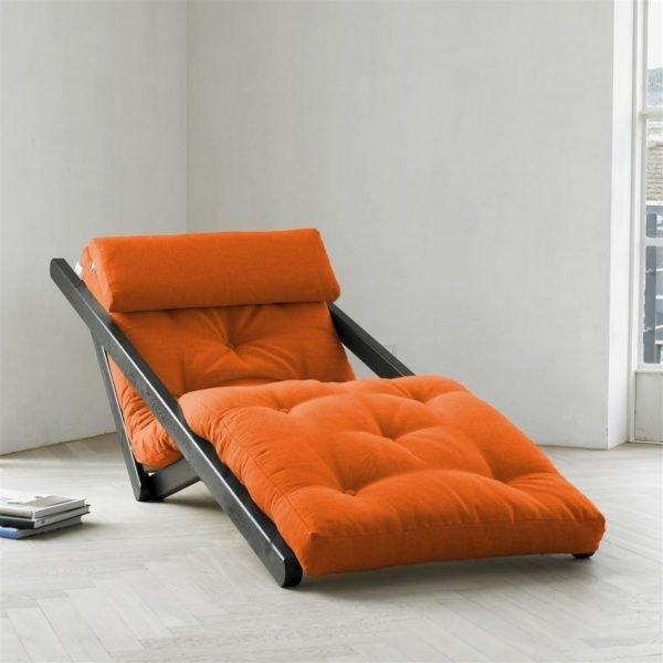 При выборе раскладной мебели во главу угла желательно ставить удобство.