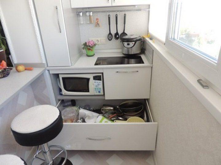 Микроволновка на кухне: 5 вариантов расположения прибора в с.