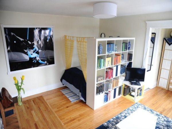 Пример функционального деления комнаты на гостиную и спальню