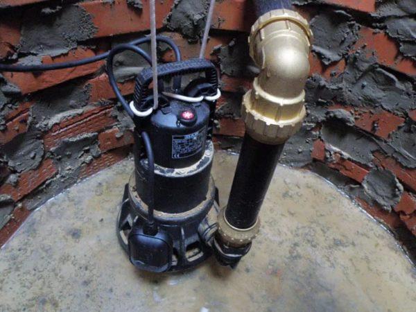 Пример правильного оснащения выгребных ям с применением погружного насоса