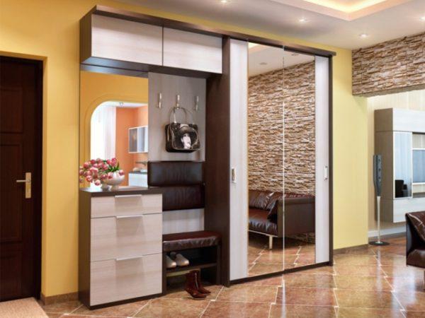 Пример расположения шкафа в студийной квартире.