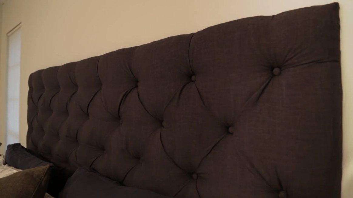 Пример того, как самому можно облицевать изголовье самодельной кровати