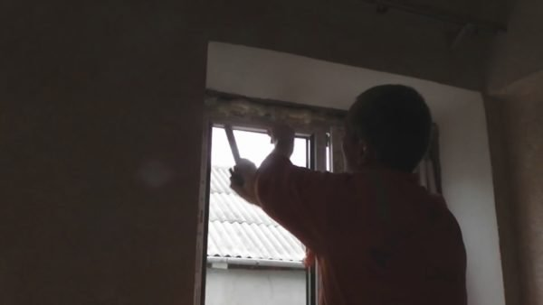Пример того, как собрать самому окно, не имея прорезиненного молотка