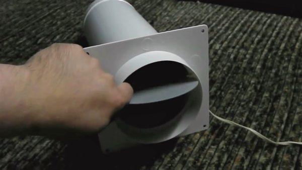 Пример того, как выглядит и работает механический клапан, установленный после вентилятора