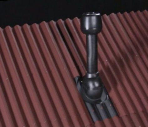 Проход трубы через крышу из ондулина
