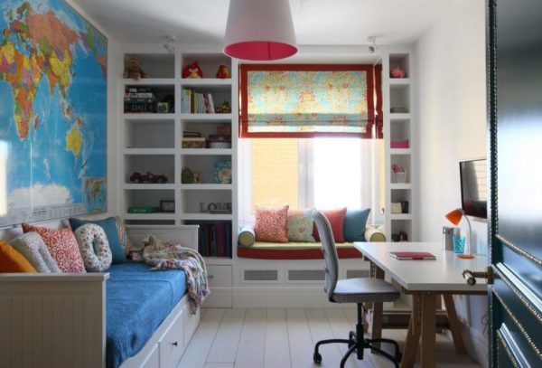 Пространство у окна может быть функциональным, так формируется повышенный уровень комфорта