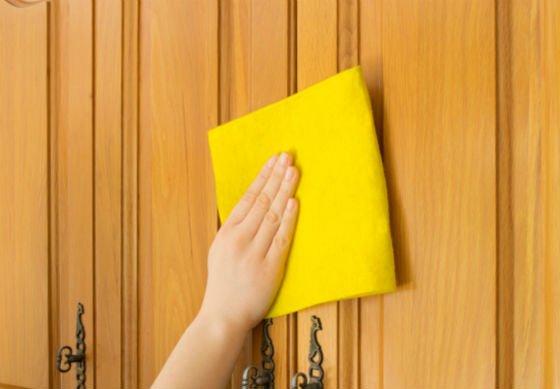 Протирайте поверхность мягкой салфеткой