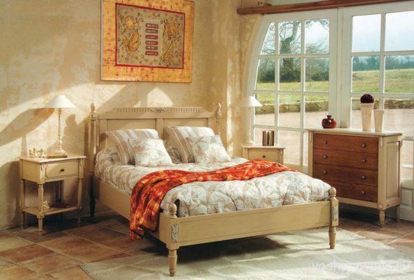 Провансальская мебель из сосны.