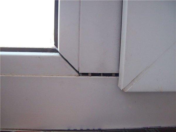 Провисание может стать причиной поломки окна