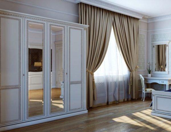 Распашной шкаф «Венеция» в классическом стиле