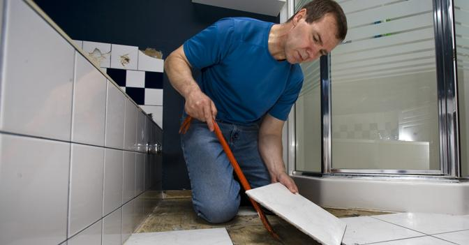 Ремонт в ванной комнате пол своими руками 45