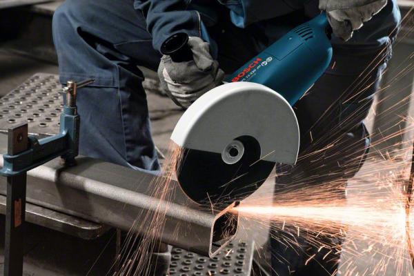 Резка профильной трубы для сборки несущего металлического каркаса