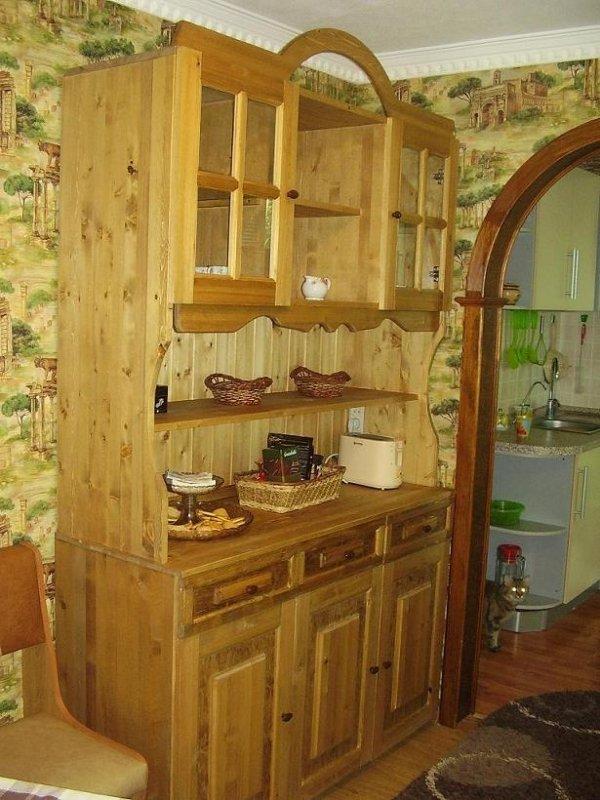 Самодельный буфет может стать подлинным украшением дома.