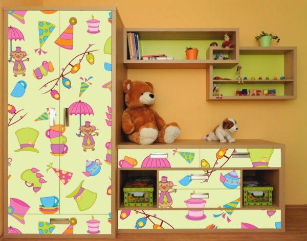 Самоклеящаяся плёнка на мебели в детской
