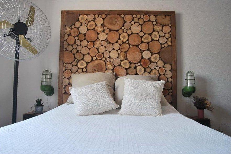 Самостоятельное декорирование подголовников двухместных кроватей может стать увлекательным хобби.