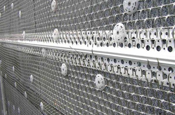 Сетка повышает прочность штукатурного слоя в несколько раз