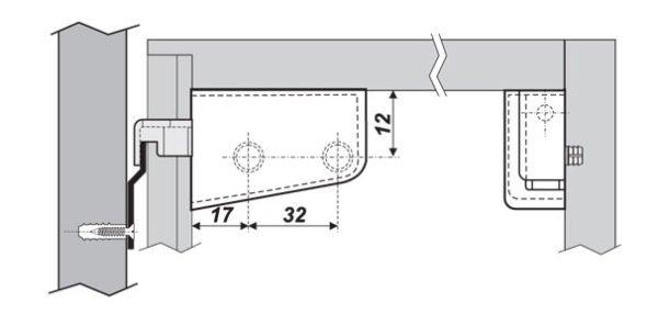 Схема навешивания шкафа на монтажную рейку.