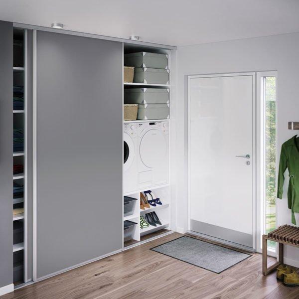 Шкаф для прихожки должен быть очень вместительным.