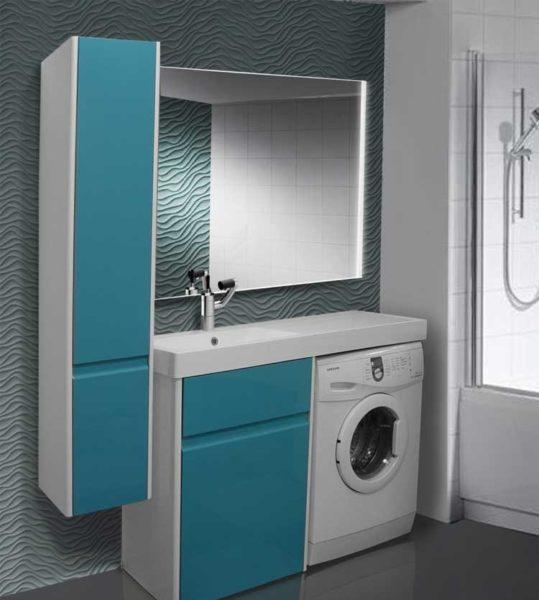 Шкаф и стиральная машина под широким умывальником