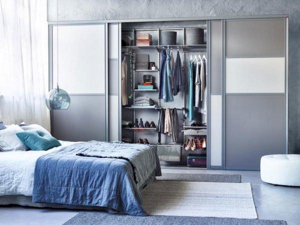 Шкаф купе в спальне должен быть, прежде всего, удобным и только потом красивым.