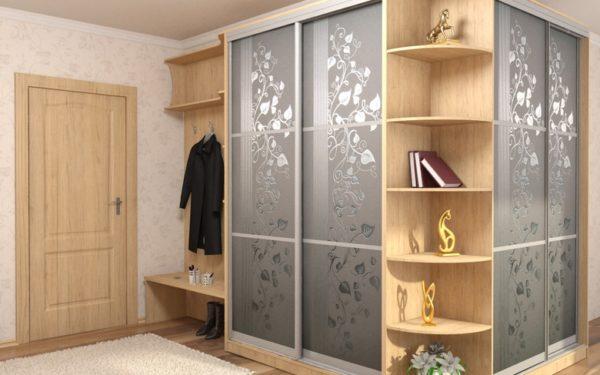Шкаф – основной элемент оформления прихожей