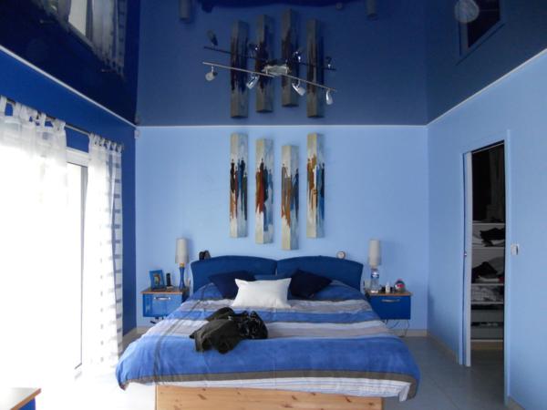 Синий создает умиротворяющую атмосферу