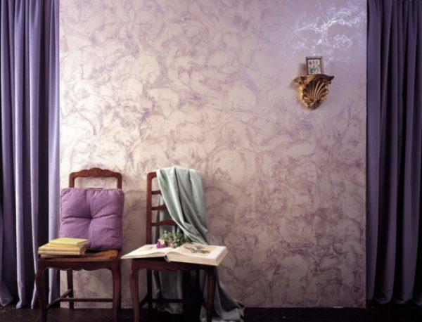 Сиреневый цвет и лиловый хорошо сочетаются с жемчужным тоном.