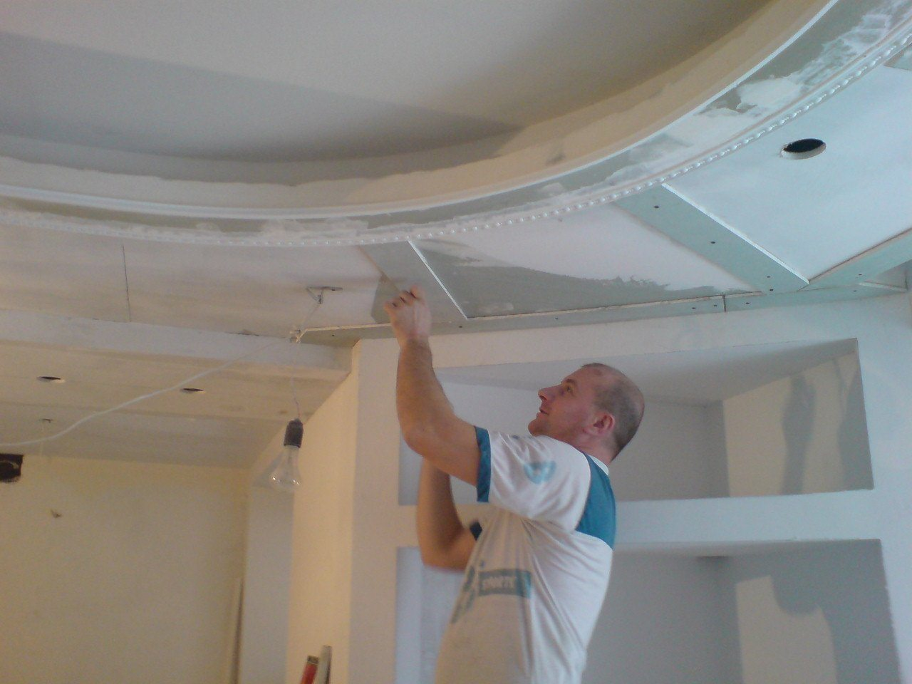 фотик вскинул как сделать навесной потолок своими руками фото это