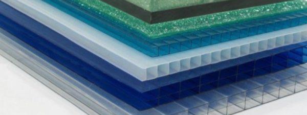 Сотовый поликарбонат выпускается в широком диапазоне цветов.
