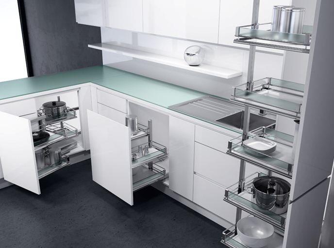 Современные мебельные гарнитуры оборудованы множеством вспомогательных устройств и механизмов.