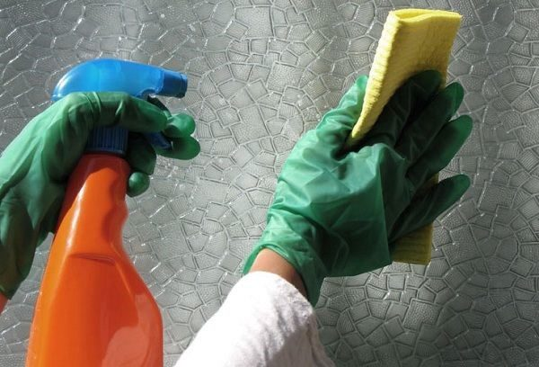 Стекло легко моется