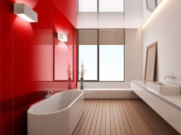 Стеклянная панель в ванной – практичное и стильное решение