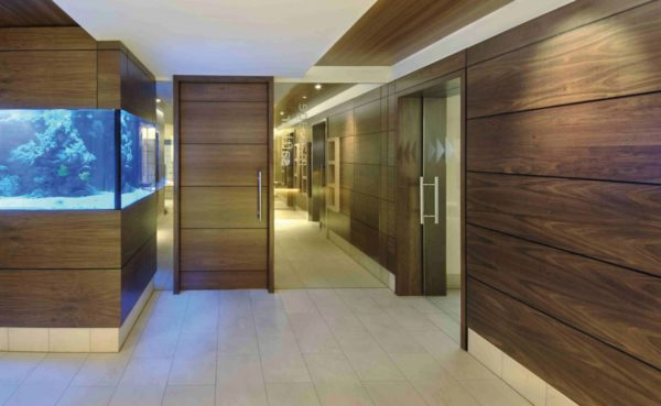 Стеновые панели для внутренней отделки хорошо смотрятся в офисных помещениях