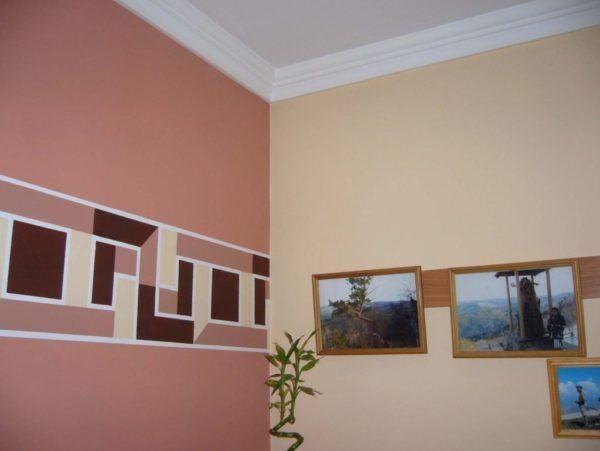 Стены в помещении можно окрасить в разные цвета — это разнообразит интерьер