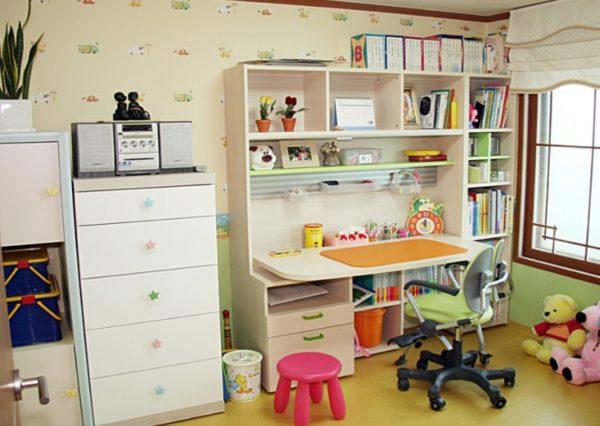 Светлая мебель — идеальное решение для маленькой комнаты
