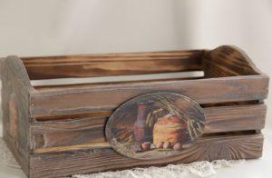 table_pic_att151068669526-300x196 Декупаж мебели своими руками: фото, пошаговая инструкция, советы