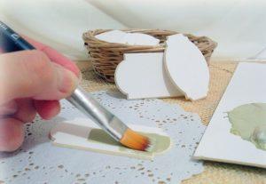 table_pic_att151068670742-300x207 Декупаж мебели своими руками: фото, пошаговая инструкция, советы