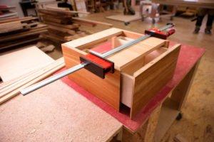 Как сделать шкаф своими руками (51 фото): из мебельных щитов, схемы и материалы