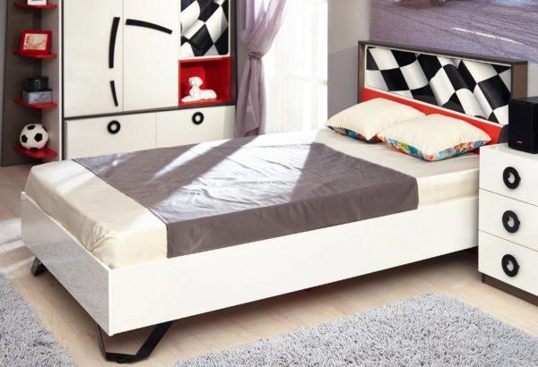 Типовой вариант мебели предполагает расстояние спального места от пола как минимум в 50 см