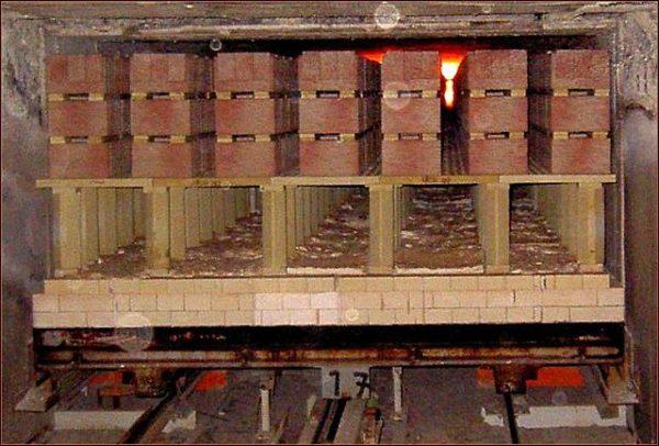 Тоннельный способ обжига позволяет сохранить заданные формы и цвет блоков.