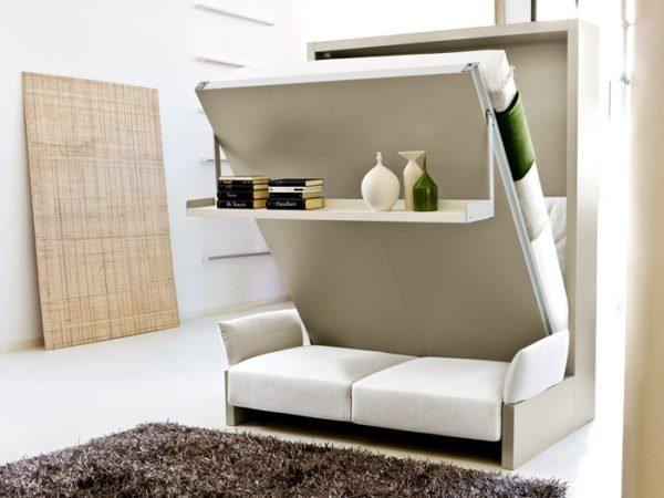 Трансформирующаяся мебель довольно удобна в эксплуатации.