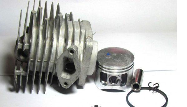 Цена цилиндра с поршнем и кольцами составляет примерно две третьи стоимости всего инструмента