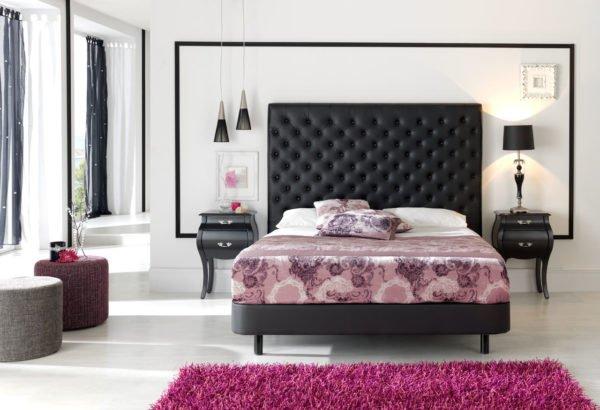 Цвет форма и материал изголовья должны соответствовать оформлению комнаты и выбранному стилю.