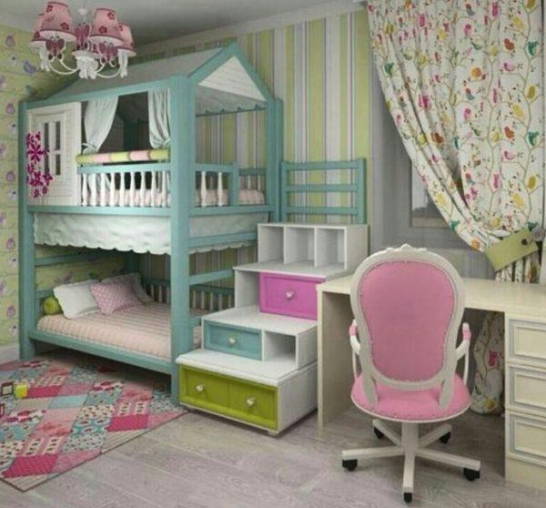 Цвет подбирается под интерьер, важно, чтобы кровать сочеталась с полом, стенами и остальной мебелью в комнате