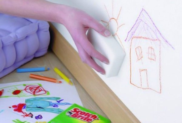 Удаление карандаша со стен — процесс простой, но ответственный
