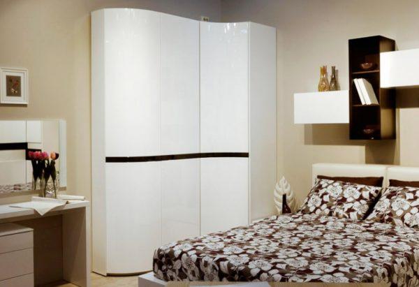 Угловой шкаф — практичное решение
