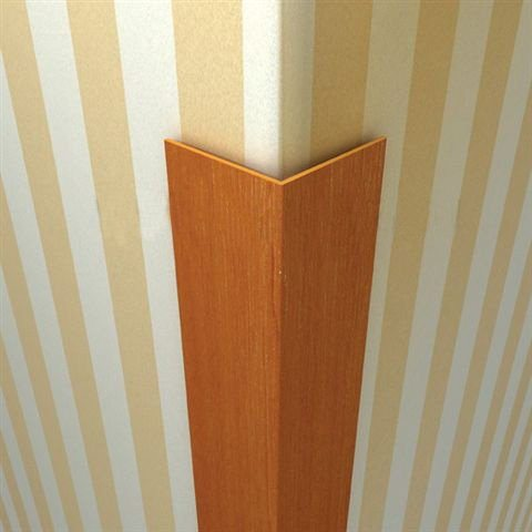 Углы можно оформить в квартире декоративными уголками