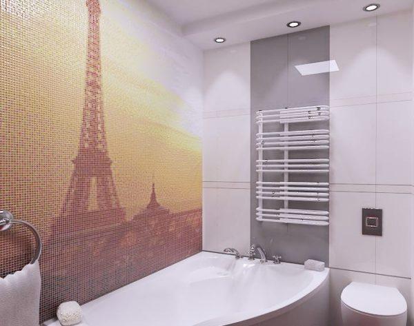 Украсить стену ванной комнаты можно стеклянной мозаикой – для этого используется специальная мелкая плитка